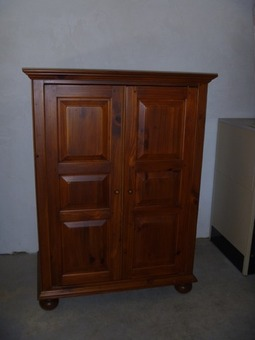 Ethan ALlen TV hutch and end tables